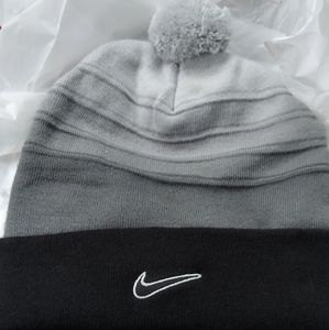 Nike tobargan $25 Onesize +  free scarf